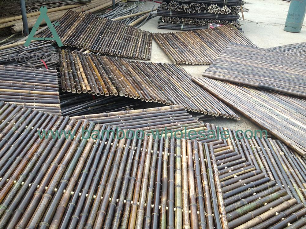 Плот з чорнага бамбука